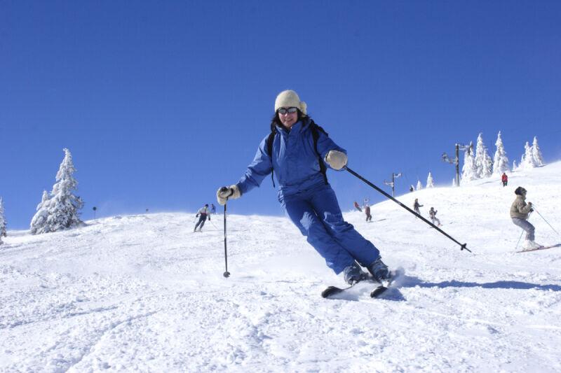 Wytrawni narciarze potrzebują wytrawnego sprzetu (Shutterstock)