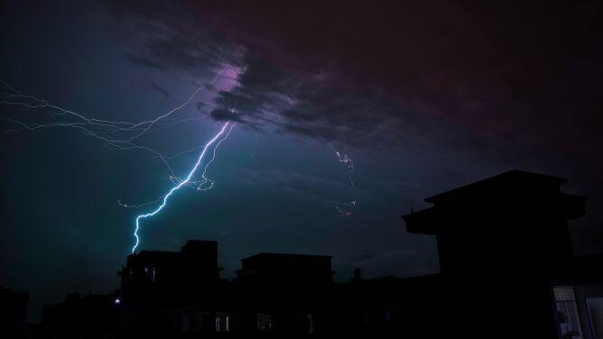 Wieczór z groźną pogodą. Obowiązują alerty IMGW