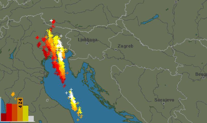Burze nad Wenecją - stan na godzinę 10.40 (blitzortung.org)