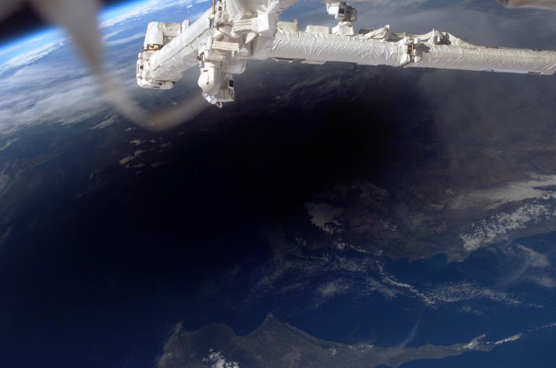Zaćmienie Słońca widziane z ISS